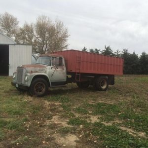 1973 1700 series International grain truck